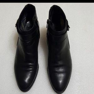 AQUATALIA🎀womens ankle boots size 6.5